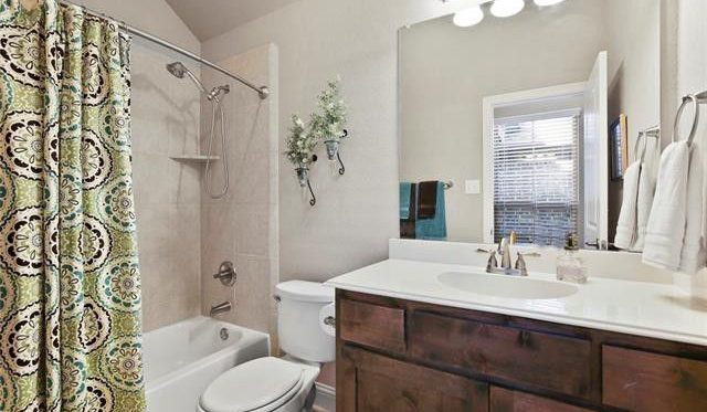 bathroom staging in dallas and mansfield texas