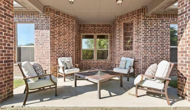 outdoor home staging in arlington and fort worth texas